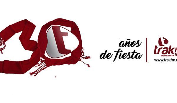 TRAK FM SE TIÑE DE BLANCO Y ROJO